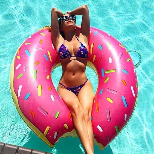 Bouée gonflable Donut géant rose